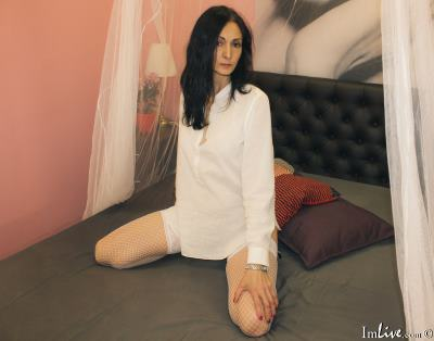 superhorny_sophie, 42 – Live Adult cam-girls and Sex Chat on Livex-cams