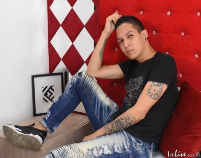 StevenRooss_, 26 – Live Adult gay and Sex Chat on Livex-cams
