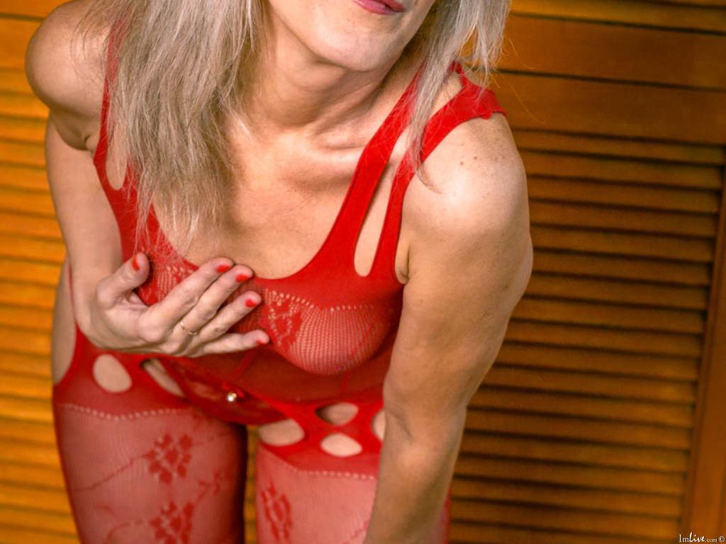 missdella1's Profile Image