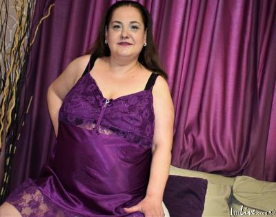 SilvyeReid, 45 – Live Adult cam-girls and Sex Chat on Livex-cams